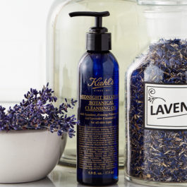 Stop everything, Kiehl's Midnight Recovery now has a Botanical Cleansing Oil!
